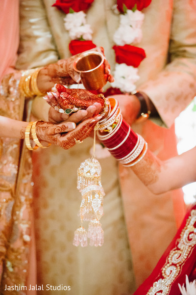 traditional indian wedding,indian wedding traditions,indian wedding customs