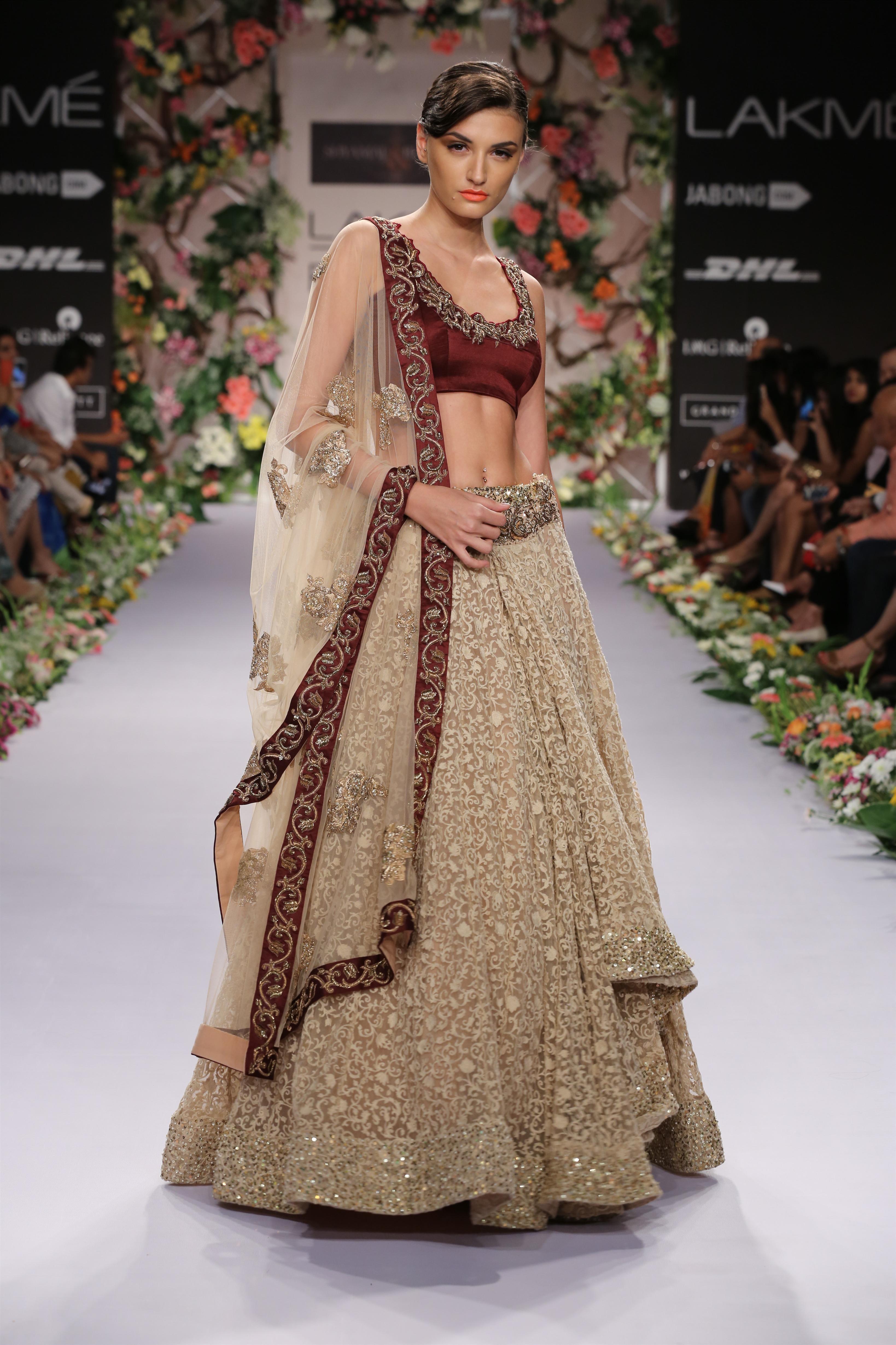 Bridal Fashions in Glam Alert Shyamal & Bhumika Present a
