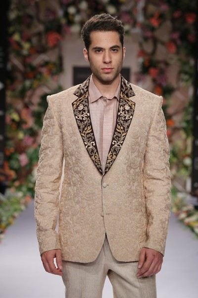 indian weddings,indian wedding clothes,indian groom,indian groom clothing,indian groom fashion,indian wedding ideas