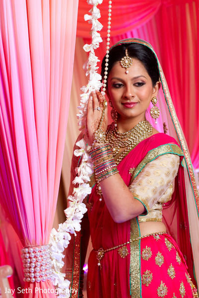 portrait of indian bride,indian bridal portraits,indian bridal portrait,indian bridal fashions,indian bride,indian bride photography,bridal sari,indian sari,wedding sari,bridal saree,Indian saree,wedding saree,Indian bridal sari,Indian bridal saree,fuchsia sari,fuchsia saree