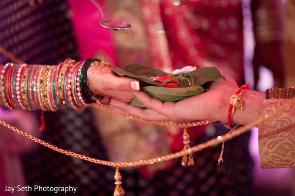 traditional indian wedding,indian wedding traditions,indian wedding traditions and customs,traditional hindu wedding,indian wedding tradition,traditional Indian ceremony,traditional hindu ceremony,hindu wedding ceremony,traditional indian wedding ceremony