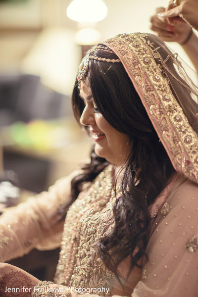 Getting Ready in Long Beach, CA Pakistani Fusion Wedding by Jennifer Fujikawa Photography