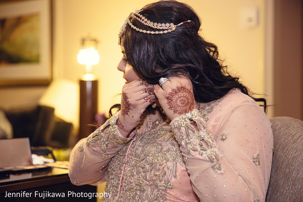 Pakistani bride,bride getting ready,Pakistani bride getting ready,images of Pakistani bride,getting ready images,images of bride,bride