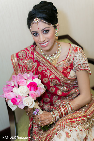 portrait of indian bride,indian bridal portraits,indian bridal portrait,indian bridal fashions,indian bride,indian bride photography,bridal bouquet,indian bridal bouquet,indian floral bouquet,indian bouquet,indian wedding bouquet,wedding bouquet,floral bouquet,floral wedding bouquet
