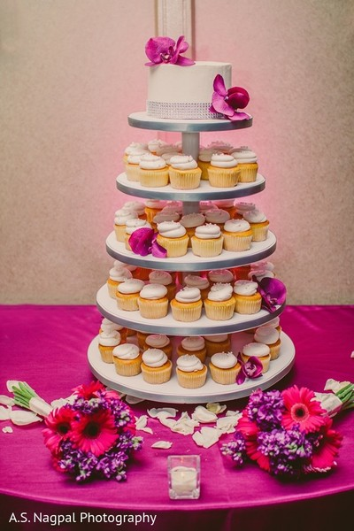 indian wedding cakes,indian wedding ideas,indian wedding reception ideas,indian wedding reception,indian wedding treats,indian weddings,indian wedding dessert,cupcake tower,cupcake,cupcakes