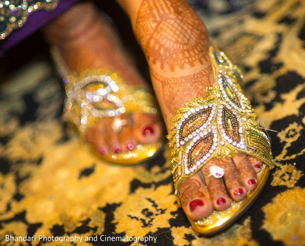 bridal accessories,indian bridal accessories,indian bride shoes,shoes for indian brides,designer shoes for indian brides,indian bridal footwear,bridal footwear,indian bridal fashion,bridal fashion,gold