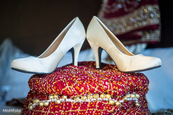 indian bridal fashions,details for indian bridal fashions,indian wedding details,indian bridal accessories,indian wedding shoes,indian bridal footwear