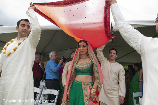outdoor wedding,outdoor wedding decor,outdoor wedding ceremony,outdoor wedding ceremony decor,outdoor ceremony,outdoor ceremony decor,outdoor Indian wedding,outdoor Indian wedding ceremony,outdoor Indian ceremony,traditional indian wedding,indian wedding traditions,indian wedding traditions and customs,traditional hindu wedding,indian wedding tradition,traditional Indian ceremony,traditional hindu ceremony,hindu wedding ceremony