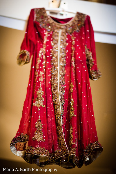 bridal fashions,indian bridal fashions,bridal fashion details,details for pakistani bridal fashions,details of bridal fashions,bridal details,fashion details,pakistani bridal fashions,red anarkali lengha,red lengha,red lehenga