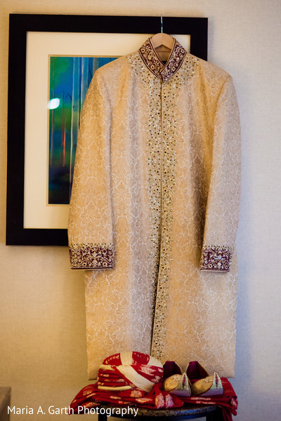 pakistani wedding clothing,pakistani wedding clothes,pakistani groom,pakistani groom clothing,groom fashion,indian groom fashion,pakistani wedding men's fashion