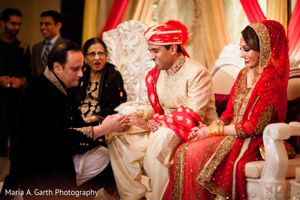traditional indian wedding,indian weddings,indian bride,indian wedding photo,indian wedding fashions,indian wedding outfits