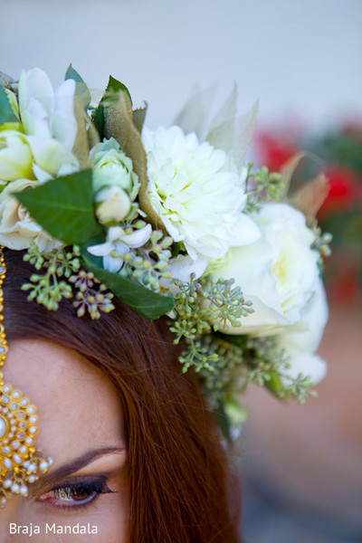 bridal fashions,indian bridal fashions,indian bridal accessories,bridal accessories,flower accessories,floral hair accessories,floral crown,flower crown
