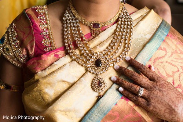 Bridal Jewelry in Wichita, KS Indian Fusion Wedding by Mojica Photography