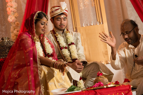 traditional indian wedding,indian wedding traditions,indian wedding traditions and customs,traditional hindu wedding,indian wedding tradition,traditional Indian ceremony,traditional hindu ceremony,hindu wedding ceremony,indian fusion wedding,indian fusion wedding ceremony,fusion wedding,fusion wedding ceremony,indian bride and groom,photos of brides and grooms,images of brides and grooms