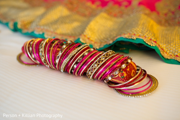 bangles,bridal bangles,bridal bracelets,Indian bridal bracelets,banga,churis,indian bridal jewelry,indian bride jewelry,indian wedding jewelry,indian jewelry,indian wedding jewelry for brides,indian bridal jewelry sets,bridal indian jewelry,indian wedding jewelry sets for brides,indian wedding jewelry sets,wedding jewelry indian bride