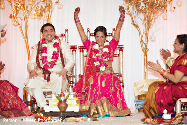 traditional indian wedding,indian wedding traditions,indian wedding traditions and customs,traditional hindu wedding,indian wedding tradition,traditional Indian ceremony,traditional hindu ceremony,hindu wedding ceremony,indian bride and groom,photos of brides and grooms,images of brides and grooms