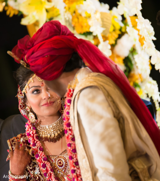 traditional indian wedding,indian wedding traditions,indian wedding traditions and customs,traditional hindu wedding,indian wedding tradition,traditional Indian ceremony,traditional hindu ceremony,hindu wedding ceremony,night ceremony,wedding ceremony at night,indian wedding ceremony at night