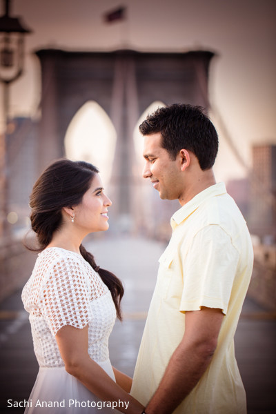 indian engagement,indian wedding engagement,indian wedding engagement photoshoot,engagement photoshoot,Indian engagement portraits,Indian wedding engagement portraits,Indian engagement photos,Indian wedding engagement photos,Indian engagement photography,Indian wedding engagement photography,brooklyn bridge,new york city