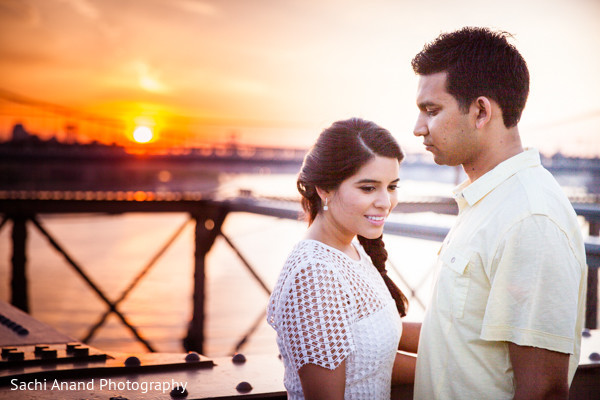 indian engagement,indian wedding engagement,indian wedding engagement photoshoot,engagement photoshoot,Indian engagement portraits,Indian wedding engagement portraits,Indian engagement photos,Indian wedding engagement photos,Indian engagement photography,Indian wedding engagement photography,brooklyn bridge,new york city,sunset