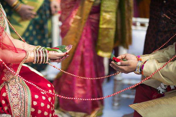 traditional indian wedding,indian wedding traditions,indian wedding traditions and customs,traditional hindu wedding,indian wedding tradition,traditional Indian ceremony,traditional hindu ceremony,hindu wedding ceremony,outdoor wedding ceremony,outdoor indian wedding ceremony