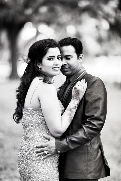 indian wedding portraits,indian wedding portrait,portraits of indian wedding,portraits of indian bride and groom,indian wedding portrait ideas,indian wedding photography,indian wedding photos,photos of bride and groom,indian bride and groom photography,outdoor portraits,outdoor reception portraits,reception portraits,black and white photography,black and white portraits