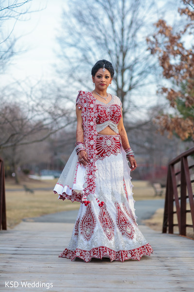 wedding lengha,bridal lengha,lengha,indian wedding lenghas,wedding lenghas,lenghas,bridal lenghas,indian wedding lehenga,wedding lehenga,lehenga choli,bridal lehenga,lehengas,lengha choli,lehenga,white and red lengha,red and white lengha,white and red lehenga,red and white lehenga