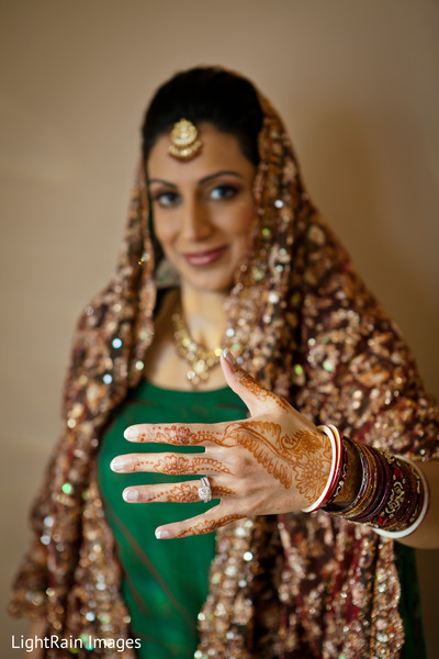 indian bride,indian bride photography,Indian bride photo shoot,photos of indian bride,portraits of indian bride,bridal mehndi,bridal henna,henna,mehndi,mehndi for Indian bride,henna for Indian bride,mehndi artist,henna artist,mehndi designs,henna designs,mehndi design