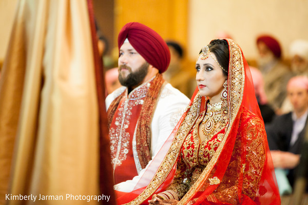 traditional indian wedding,indian wedding traditions,indian wedding traditions and customs,indian wedding tradition,traditional sikh wedding,sikh wedding,sikh ceremony,sikh wedding ceremony,traditional sikh wedding ceremony,Punjabi wedding,Punjabi wedding ceremony,bride and groom,image of bride and groom,image of indian bride and groom