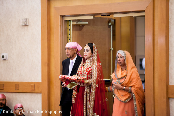 traditional indian wedding,indian wedding traditions,indian wedding traditions and customs,indian wedding tradition,traditional sikh wedding,sikh wedding,sikh ceremony,sikh wedding ceremony,traditional sikh wedding ceremony,Punjabi wedding,Punjabi wedding ceremony,indian bride