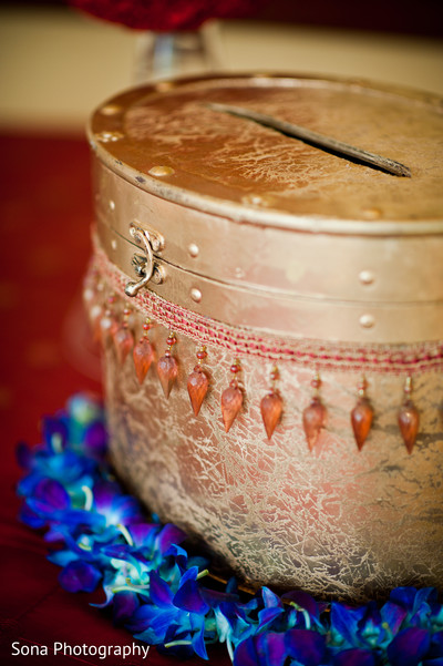 traditional indian wedding,indian wedding traditions,indian wedding traditions and customs,traditional hindu wedding,indian wedding tradition,traditional Indian ceremony,traditional hindu ceremony,hindu wedding ceremony,indian wedding details,details of indian wedding,details of indian wedding ceremony,ceremony details