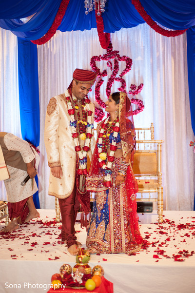 traditional indian wedding,indian wedding traditions,indian wedding traditions and customs,traditional hindu wedding,indian wedding tradition,traditional Indian ceremony,traditional hindu ceremony,hindu wedding ceremony,indian wedding decorations,indian wedding decor,indian bride and groom,photos of brides and grooms,images of brides and grooms