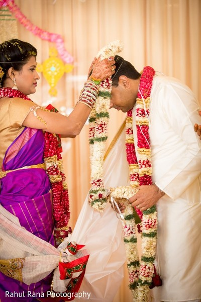 traditional indian wedding,indian wedding traditions,indian wedding traditions and customs,traditional hindu wedding,indian wedding tradition,traditional Indian ceremony,traditional hindu ceremony,hindu wedding ceremony,south indian wedding,south indian wedding ceremony