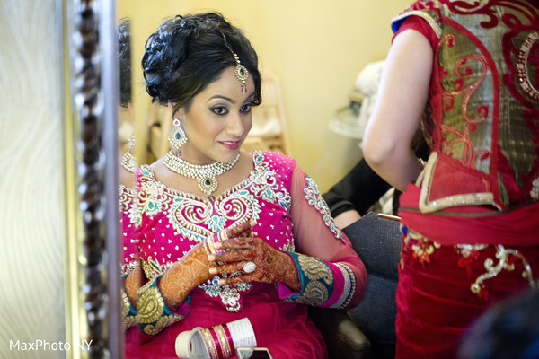 Getting Ready in Woodside, NY Indian Wedding by MaxPhoto NY
