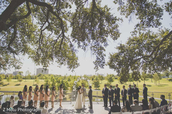 traditional indian wedding,indian weddings,indian bride,indian wedding photo,indian wedding fashions,indian wedding outfits