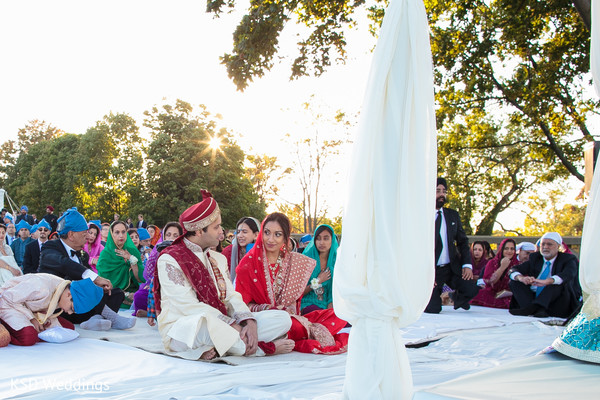 traditional indian wedding,indian wedding traditions,indian wedding traditions and customs,indian wedding tradition,traditional sikh wedding,sikh wedding,sikh ceremony,sikh wedding ceremony,traditional sikh wedding ceremony,Punjabi wedding,Punjabi wedding ceremony,outdoor ceremony,traditional outdoor ceremony,bride and groom,indian bride and groom