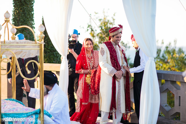 traditional indian wedding,indian wedding traditions,indian wedding traditions and customs,indian wedding tradition,traditional sikh wedding,sikh wedding,sikh ceremony,sikh wedding ceremony,traditional sikh wedding ceremony,Punjabi wedding,Punjabi wedding ceremony,outdoor ceremony,traditional outdoor ceremony,bride and groom,indian bride and groom,sikh bride and groom