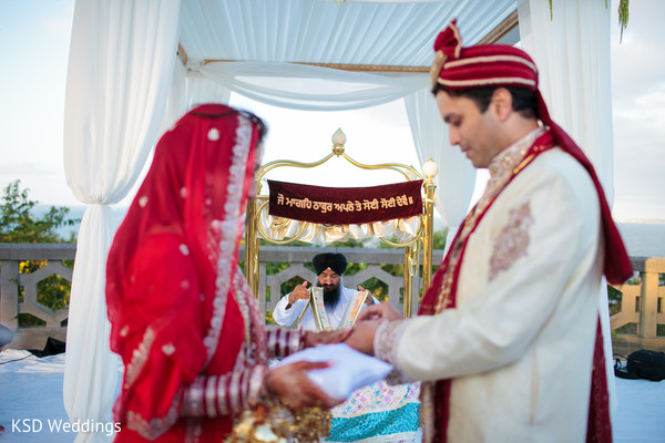 traditional indian wedding,indian wedding traditions,indian wedding traditions and customs,indian wedding tradition,traditional sikh wedding,sikh wedding,sikh ceremony,sikh wedding ceremony,traditional sikh wedding ceremony,Punjabi wedding,Punjabi wedding ceremony,outdoor ceremony,traditional outdoor ceremony