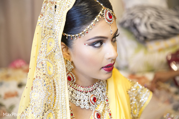 indian bride getting ready,indian weddings,indian bridal headpiece,bridal headpiece,headpiece,henna for indian bride,indian bridal jewelry,indian wedding jewelry,bridal indian jewelry,indian wedding jewelry sets,indian bride makeup,indian wedding makeup,indian bridal hair and makeup