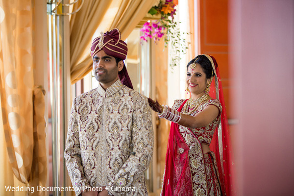 indian wedding portraits,indian wedding portrait,portraits of indian wedding,portraits of indian bride and groom,indian wedding portrait ideas,indian wedding photography,indian wedding photos,photos of bride and groom,indian bride and groom photography,first look photos,first look portraits