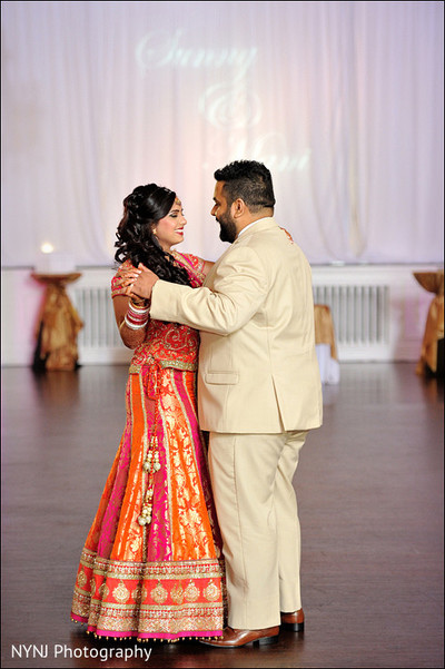 Reception photography,Indian bride and groom reception,Indian reception pictures,Indian reception photography,Indian bride and groom reception photography,reception photos,first dance