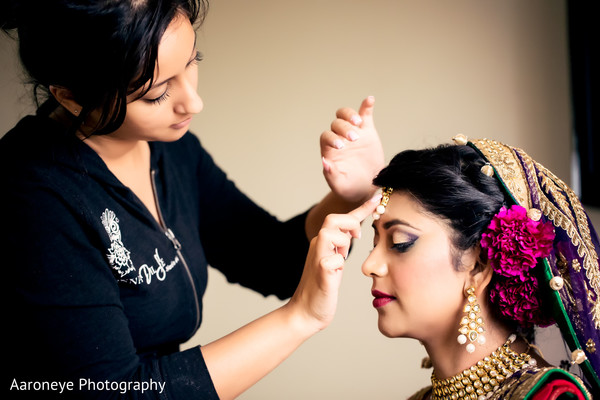 Getting Ready in Long Beach, CA Indian Wedding by Aaroneye Photography