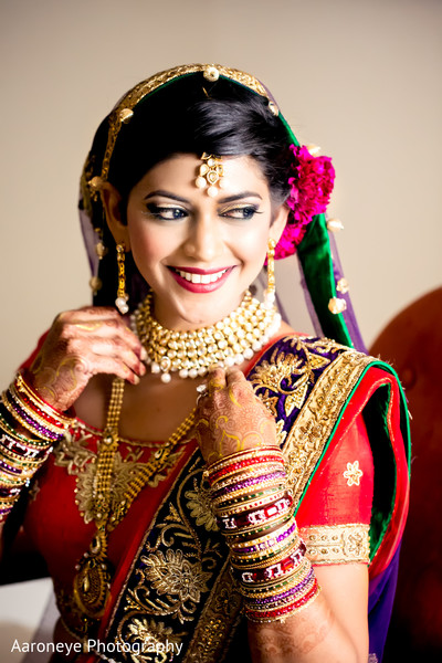 indian weddings,indian bride,indian bride makeup,indian wedding makeup,indian bridal hair and makeup,portraits of indian wedding,indian bridal fashions,indian bride photography,indian wedding photo,gold indian wedding jewelry,indian bridal jewelry