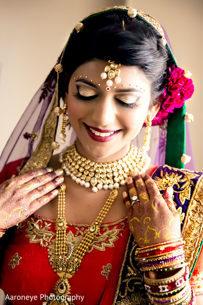 indian bride makeup,indian wedding makeup,indian bridal hair and makeup,indian weddings,gold indian wedding jewelry,indian bridal jewelry,portraits of indian wedding,indian bride,indian bridal fashions,indian bride photography,indian wedding photo