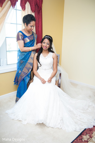 indian bride getting ready,indian wedding dress,indian wedding gowns