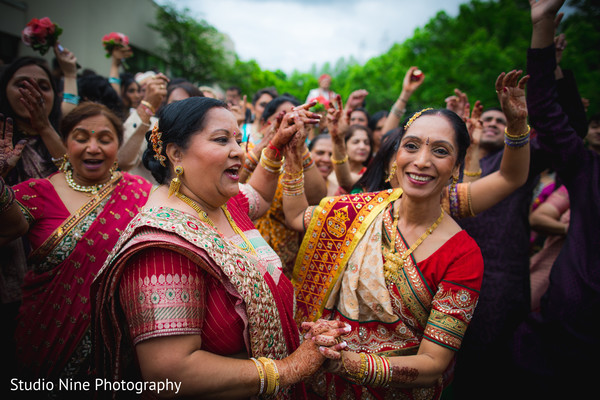traditional indian wedding,indian wedding traditions,indian wedding traditions and customs,traditional hindu wedding,indian wedding tradition,traditional Indian ceremony,traditional hindu ceremony,hindu wedding ceremony,baraat,groom baraat,indian groom,indian groom baraat,baraat procession,baraat ceremony Indian bridegroom