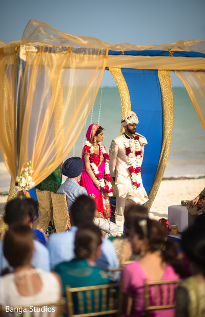 Wedding ceremony in Cancun, Mexico Indian Wedding by Banga Studios