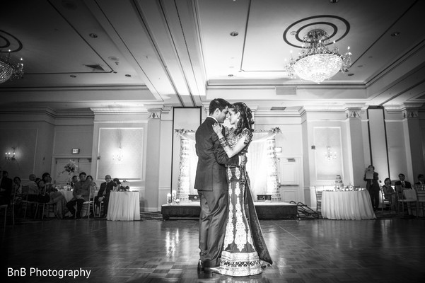 Reception photography,Indian bride and groom reception,Indian reception pictures,Indian reception photography,Indian bride and groom reception photography,reception photos,black and