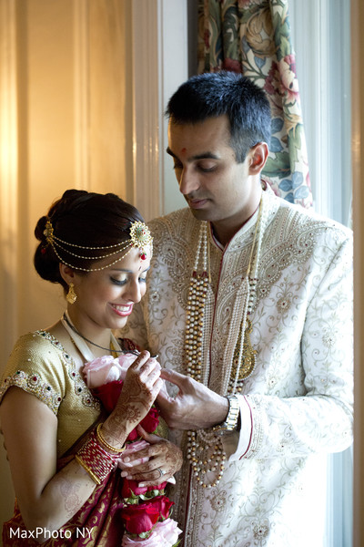 Portraits in Sands Point, NY South Indian Wedding by MaxPhoto NY