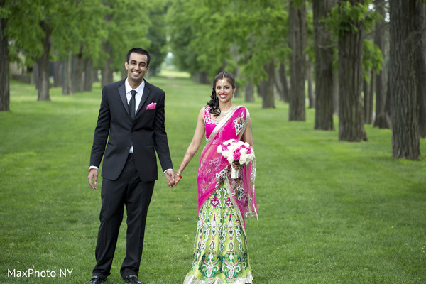 outdoor wedding portraits,outdoor Indian wedding portraits,outdoor wedding portrait ideas,Indian bride and groom outdoor photo shoot,Indian outdoor photo shoot,outdoor Indian wedding photo shoot,Indian wedding outdoor photo shoot indian