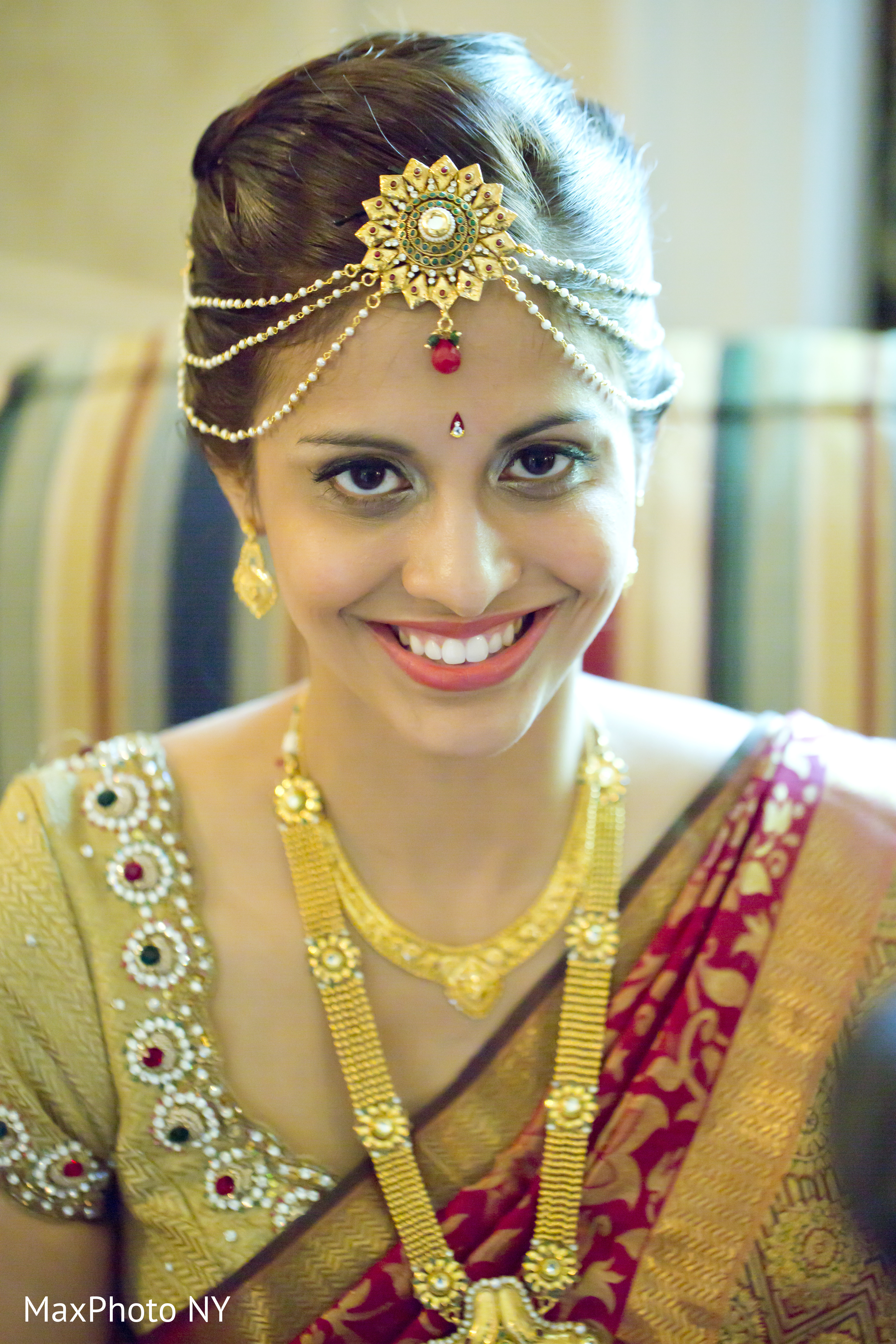 Getting Ready in Sands Point NY South Indian Wedding by MaxPhoto NY